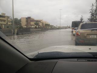 """أمطار """"الخير"""" تهطل على العاصمة طرابلس"""